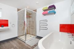 Gulval Farm Cottages - The Flower Box - The bathroom