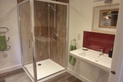 Gulval Farm Cottages - The Lily Pad - The Bathroom