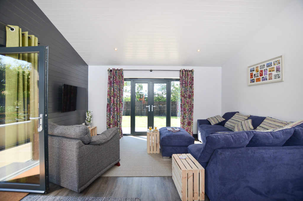 Gulval Farm Cottages - The Flower Box - The Living Room